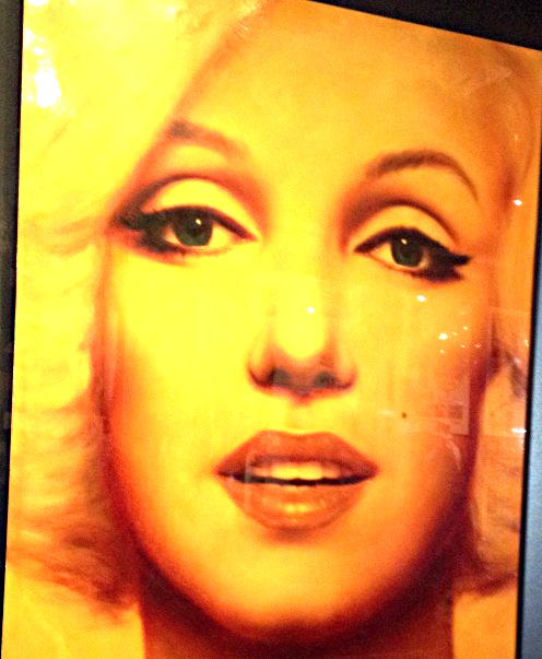 Painting of the actress at the Marilyn Monroe exhibit