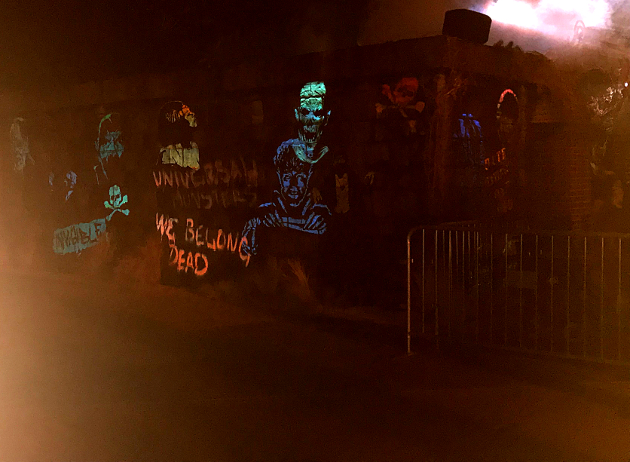 It's not the clearest picture I could get, but here's a look at the exterior design of the Universal Monsters maze
