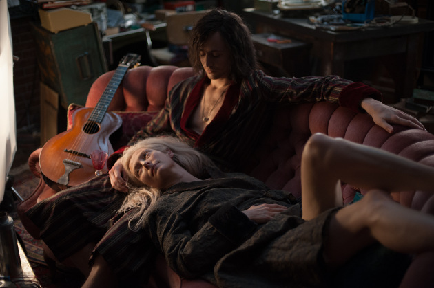 Tom Hiddleston and Tilda Swinton as vampires Adam and Eve in