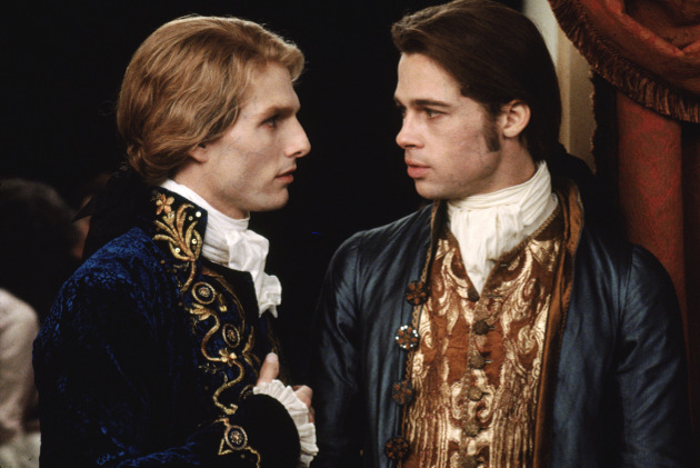 "Tom Cruise as Lestat and Brad Pitt as Louis in the film ""Interview with the Vampire"" (© Warner Bros.)"