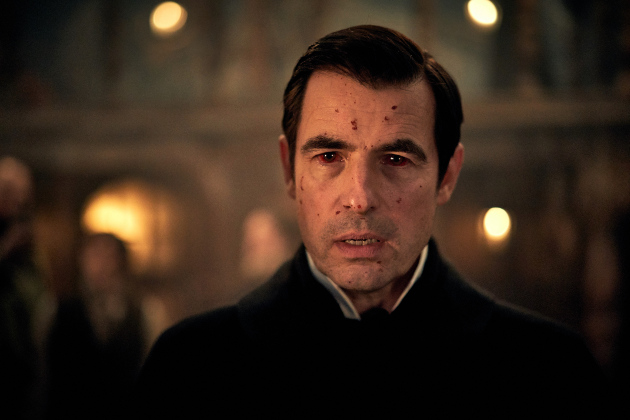 Claes Bang as Dracula in the Netflix series Dracula (© BBC)