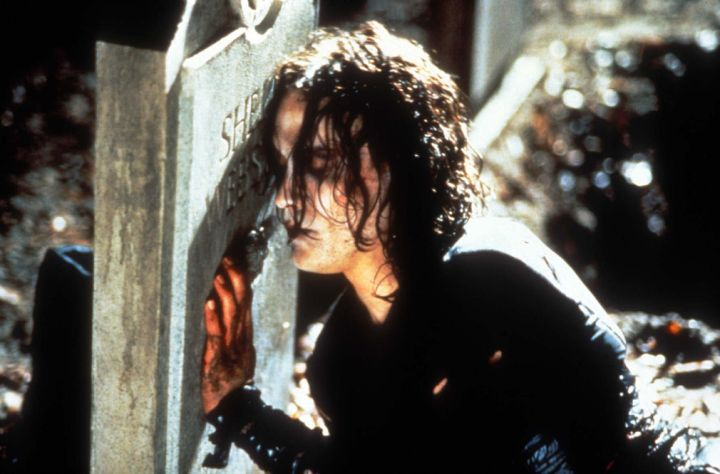 Brandon Lee as Eric Draven in the Crow (© Miramax Films)