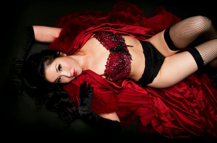 Burlesque performer Jennifer Tseng Werber, aka Miso Pretty (Photo by Beth Cocuzzi)